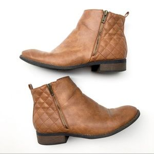 Riverberry cognac quilted ankle boots, size 9